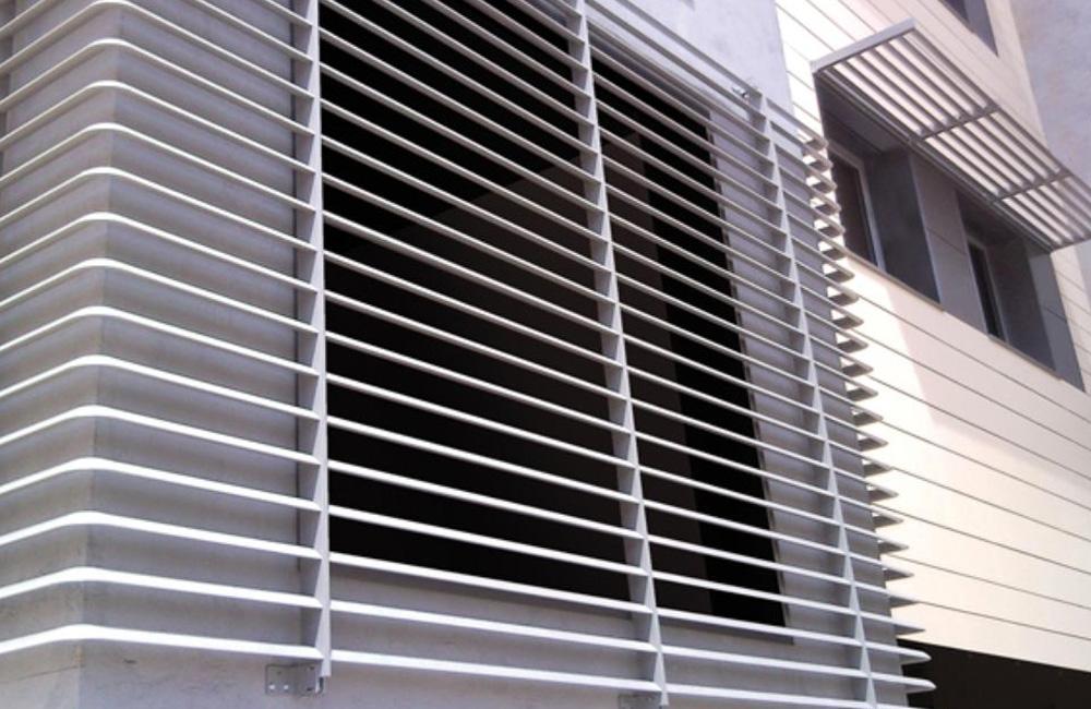 schermature-solari-1-colacicco-legno-porte-interni-esterni-infissi-legno-alluminio-pvc-parquet-pavimenti-scale-schermature-avvolgibili-matera-basilicata