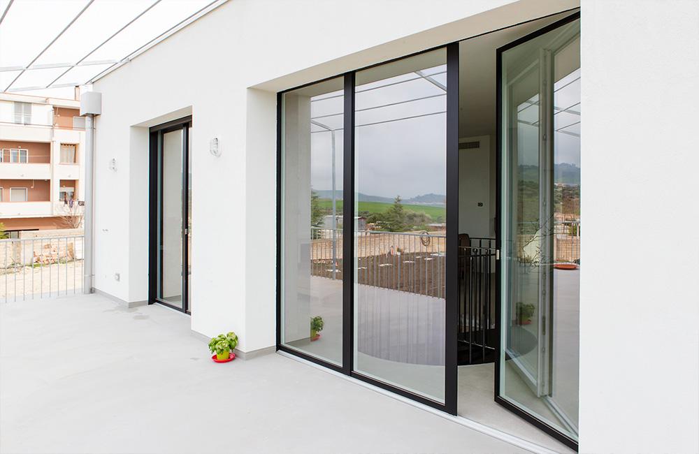 portfolio-13-colacicco-legno-porte-interni-esterni-infissi-legno-alluminio-pvc-parquet-pavimenti-scale-schermature-avvolgibili-matera-basilicata