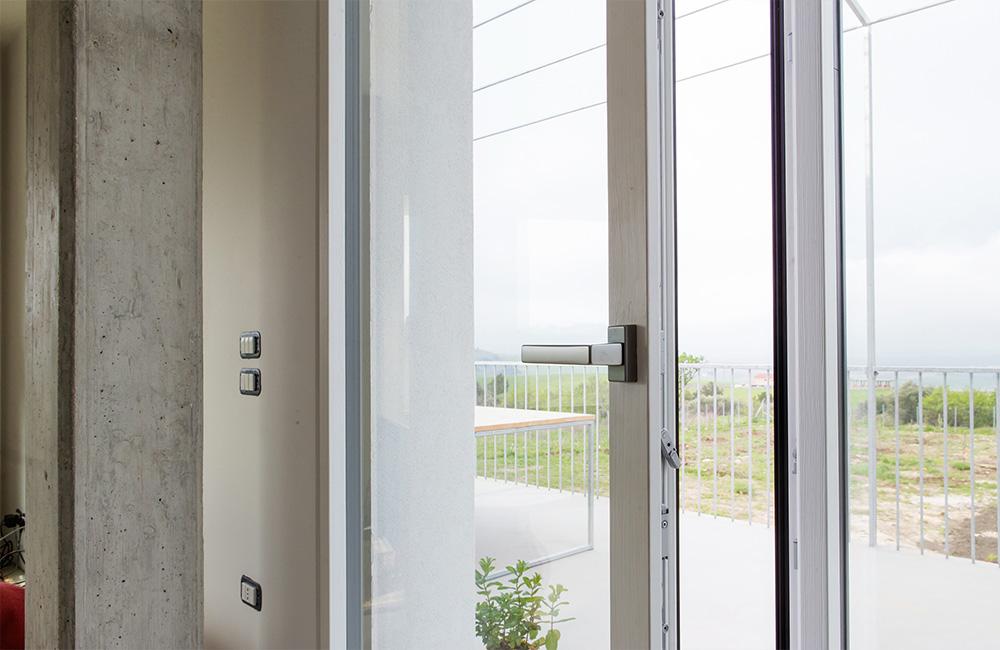 portfolio-14-colacicco-legno-porte-interni-esterni-infissi-legno-alluminio-pvc-parquet-pavimenti-scale-schermature-avvolgibili-matera-basilicata