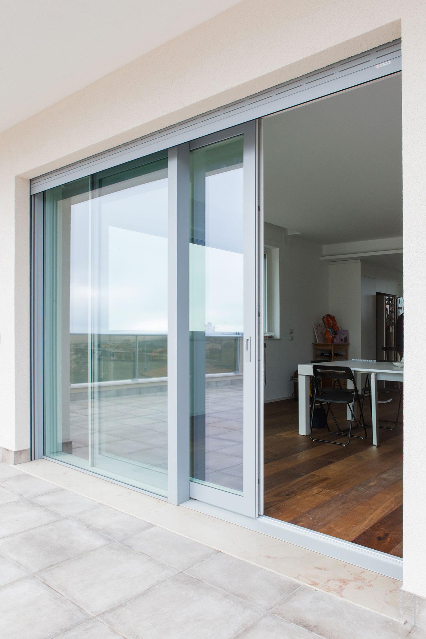 portfolio-8-colacicco-legno-porte-interni-esterni-infissi-legno-alluminio-pvc-parquet-pavimenti-scale-schermature-avvolgibili-matera-basilicata