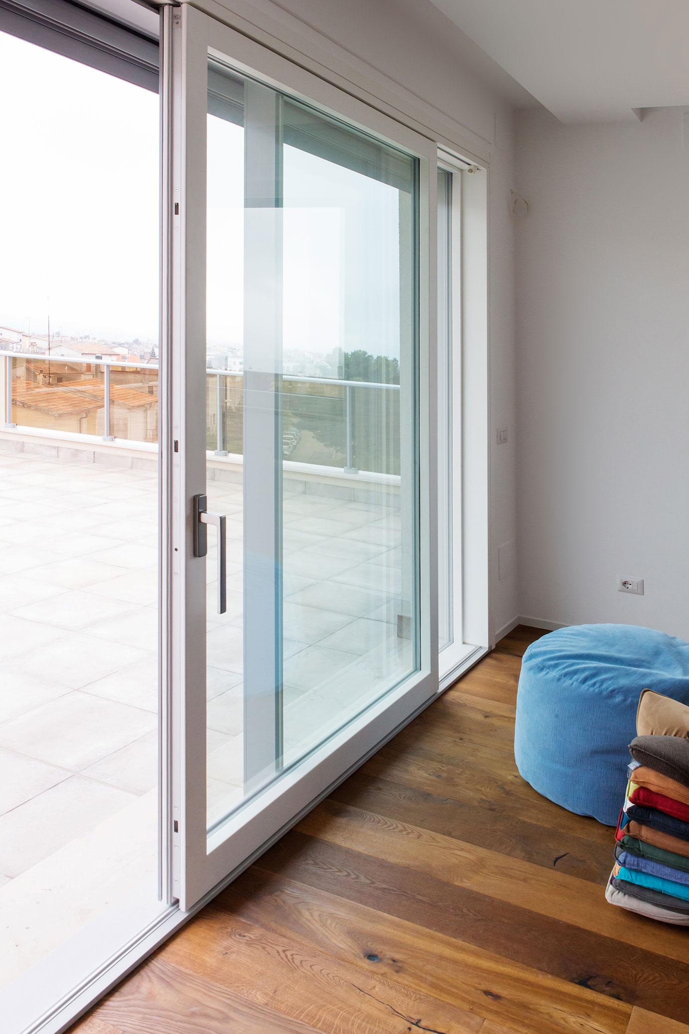 portfolio-9-colacicco-legno-porte-interni-esterni-infissi-legno-alluminio-pvc-parquet-pavimenti-scale-schermature-avvolgibili-matera-basilicata
