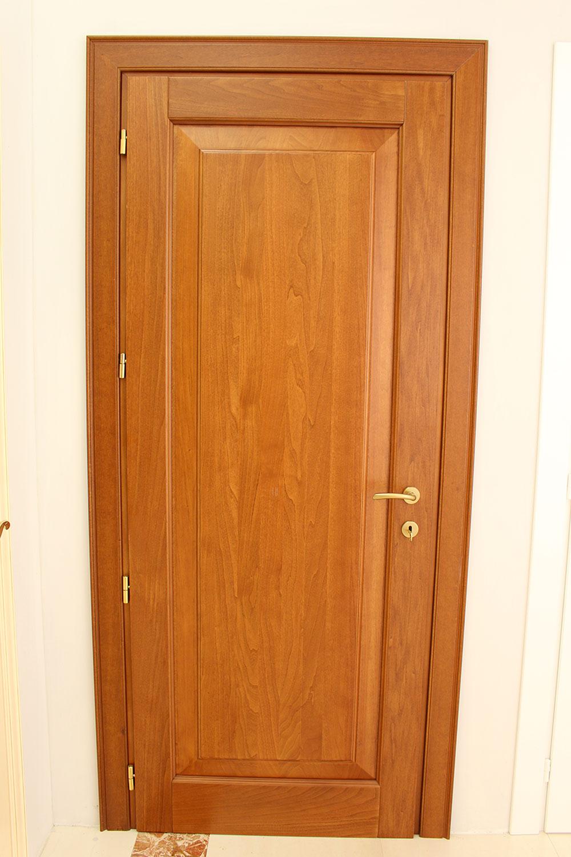 porta-13-colacicco-legno-porte-interni-esterni-infissi-legno-alluminio-pvc-parquet-pavimenti-scale-schermature-avvolgibili-matera-basilicata