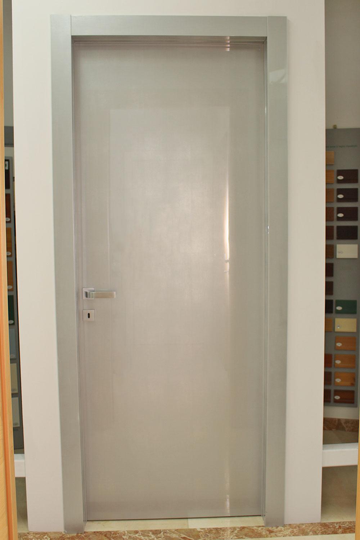 porta-16-colacicco-legno-porte-interni-esterni-infissi-legno-alluminio-pvc-parquet-pavimenti-scale-schermature-avvolgibili-matera-basilicata